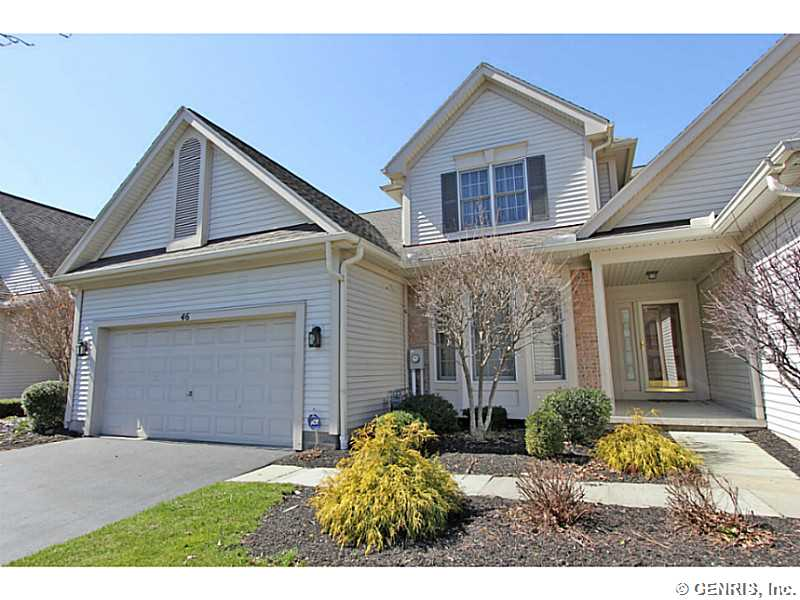 46 Fairvale Dr, Penfield, NY