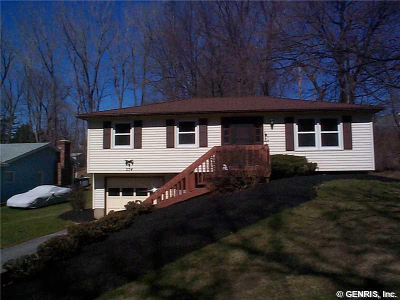 274 Eaton Rd, Rochester, NY