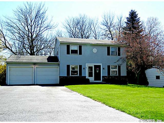 29 Little Briggins Cir, Fairport, NY