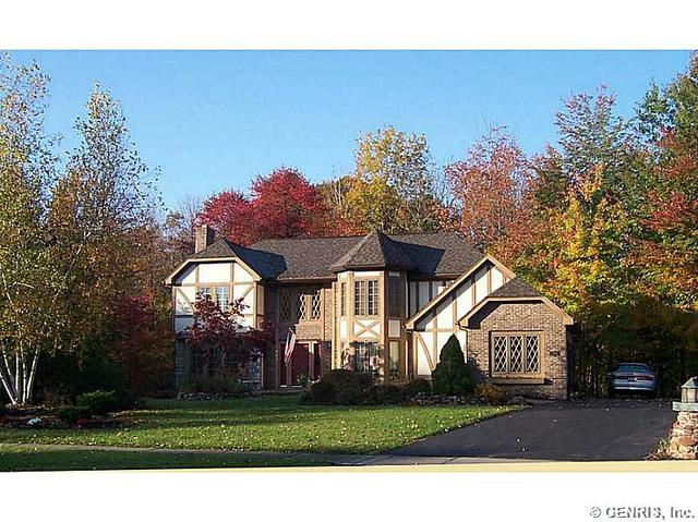 542 Melwood Dr, Rochester, NY