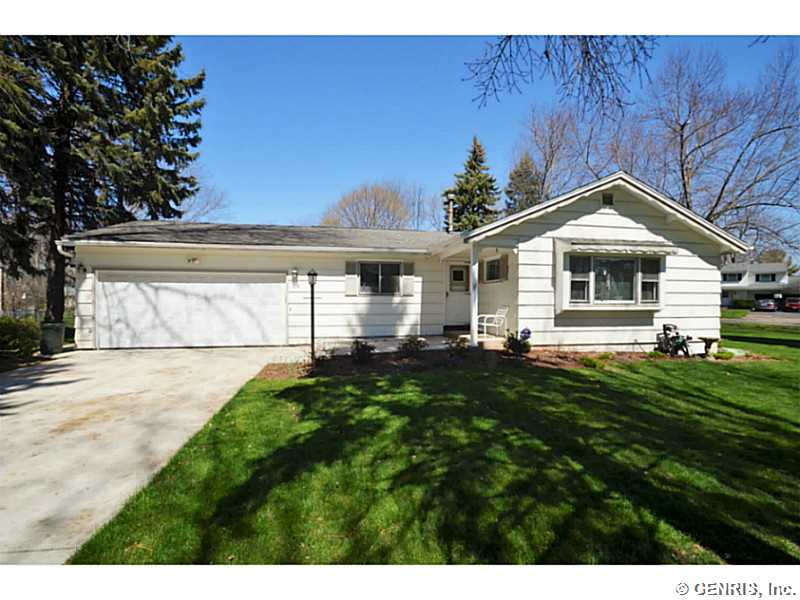 15 Marlands Rd, Rochester, NY