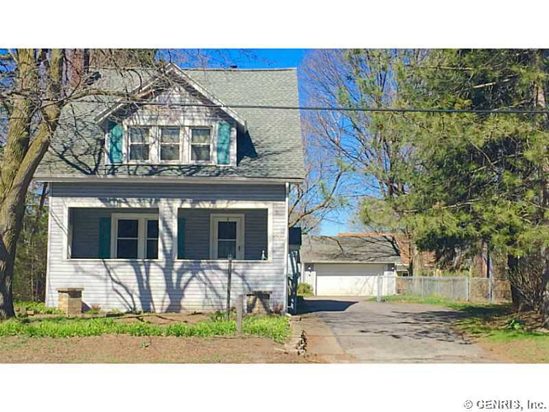 326 Fairport Rd, East Rochester, NY