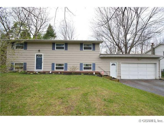65 Kenwick Dr, Rochester, NY