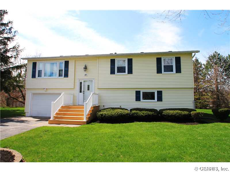 45 Crest Hill Dr, Rochester, NY