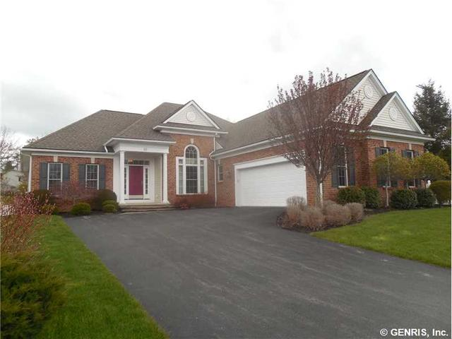33 Settlers Grn, Pittsford, NY 14534