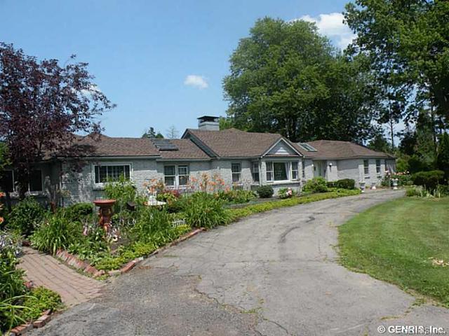 1660 Lake Rd, Webster, NY 14580