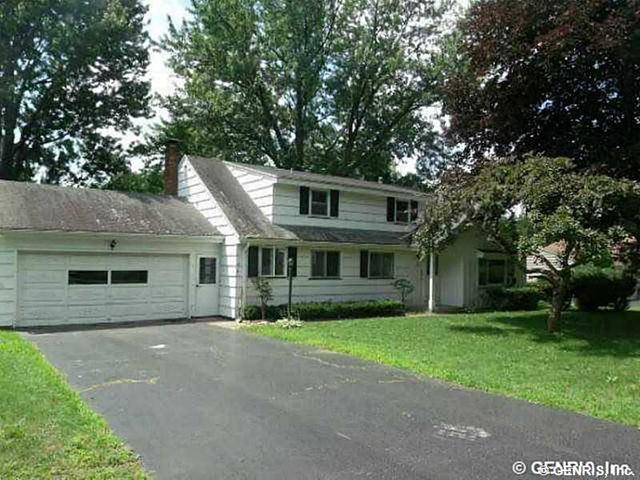 7 Hillswood Rd, Rochester, NY