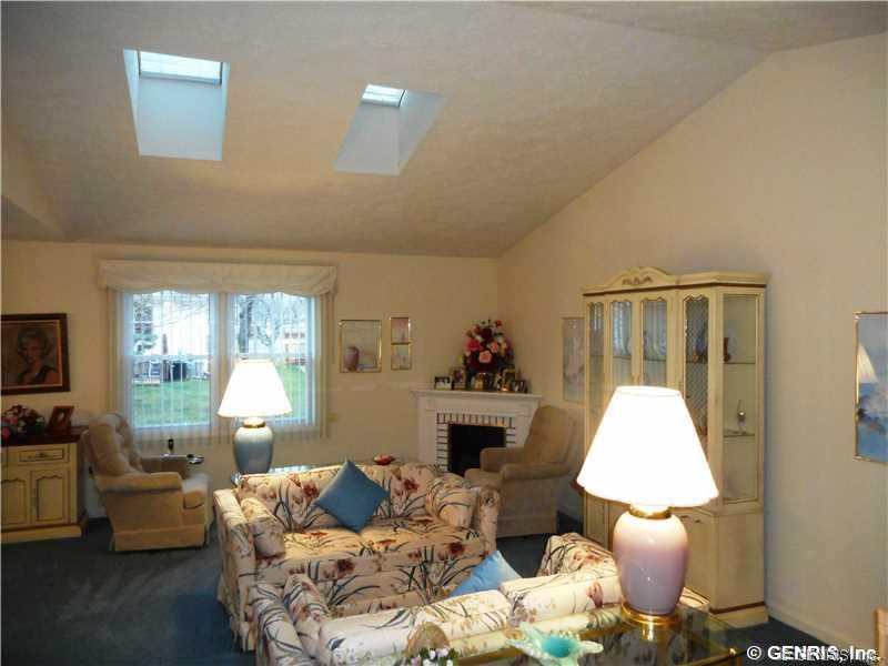 124 Flower Dale Drive, Rochester, NY 14626