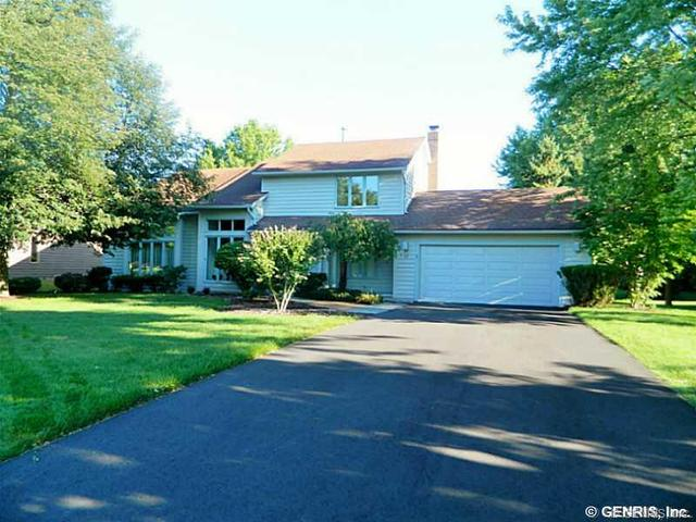 35 Copper Woods, Pittsford, NY 14534