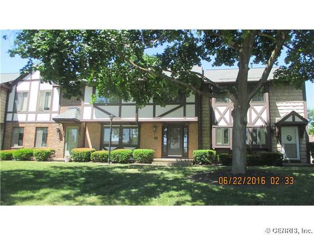 61 New Wickham Dr, Penfield, NY 14526