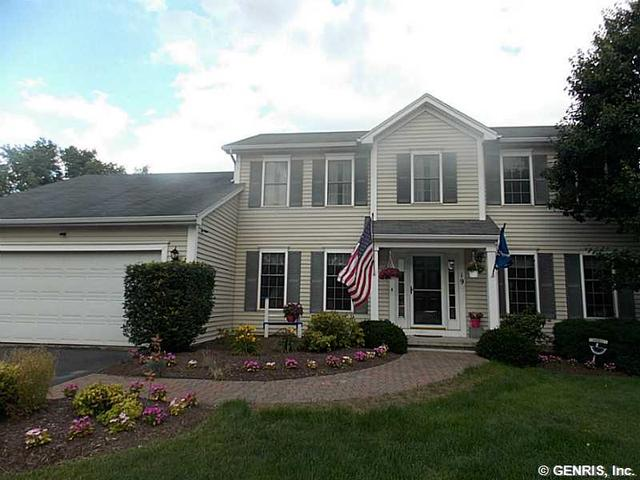 19 Valley View Dr, Victor, NY 14564