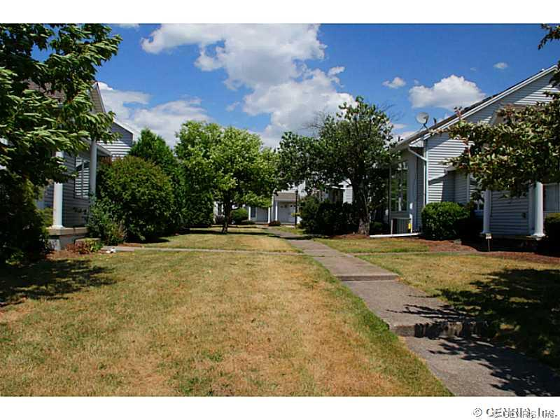 2 Packet Lane, Rochester, NY 14606