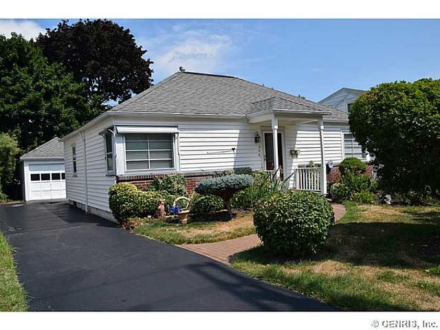 346 Spencer Rd, Rochester, NY 14609