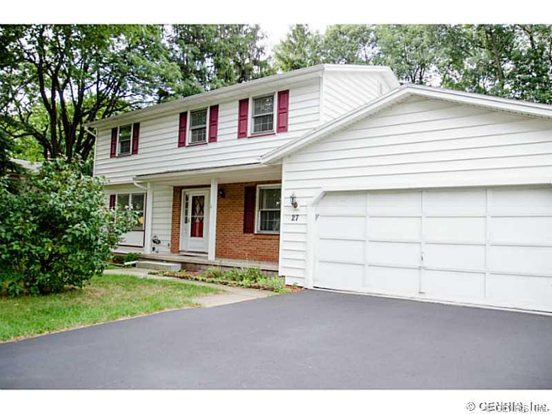 27 Red Rock Rd, Rochester, NY 14626