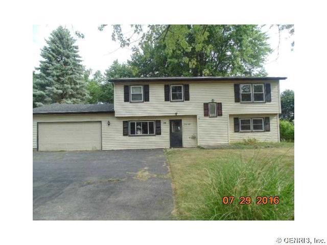 28 Willhurst Dr, Rochester, NY 14606