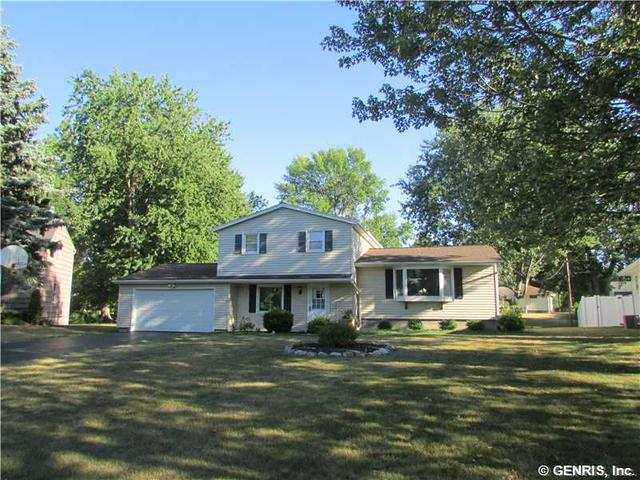 139 Laurelwood Dr, Rochester, NY 14626