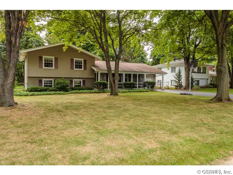 210 Jamestown Ter, Rochester, NY 14615