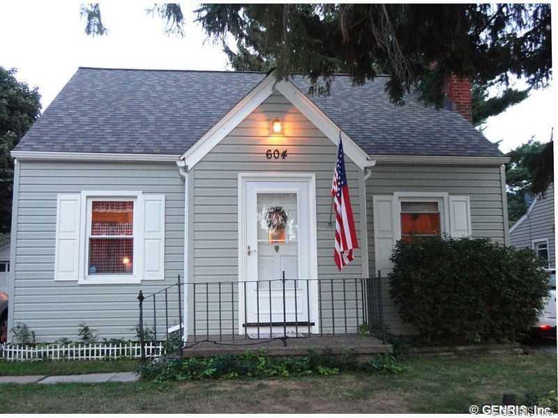 604 Bennington Dr, Rochester, NY 14616