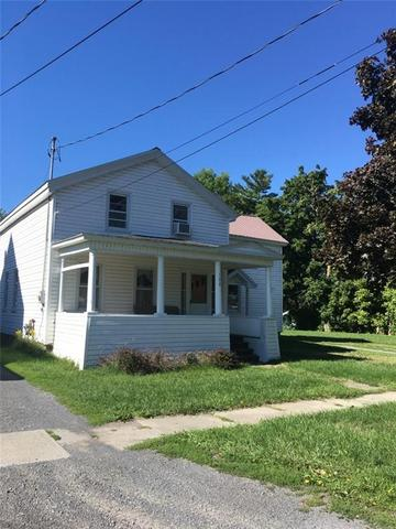 108 Washington St E, Sackets Harbor, NY 13685