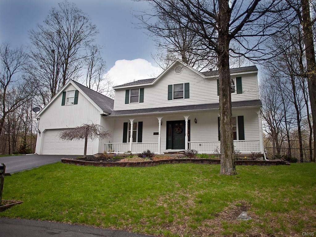 4531 Lamplighter Ln, Manlius, NY 13104