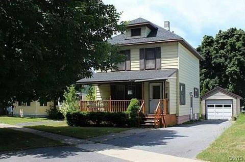 729 Cleveland St, Watertown, NY 13601