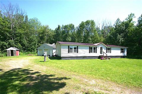 42 Biddlecum Rd, Pennellville, NY 13132