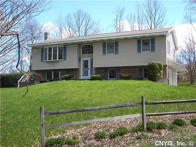 113 Beechwood Dr, Groton, NY 13073
