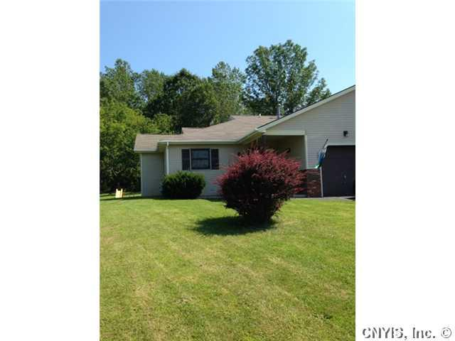 207 Christopher Circle, Oswego, NY 13126