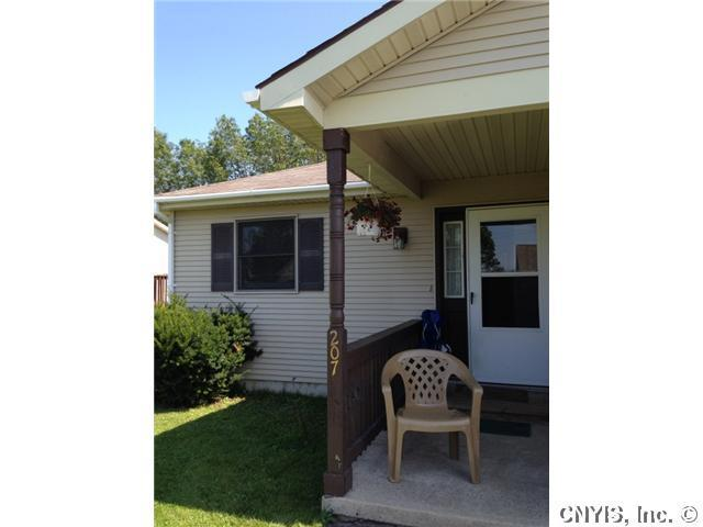 207 Christopher Cir, Oswego, NY 13126