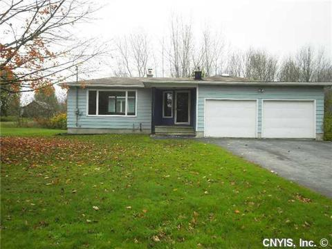157 Ritchie Rd, Fulton, NY 13069