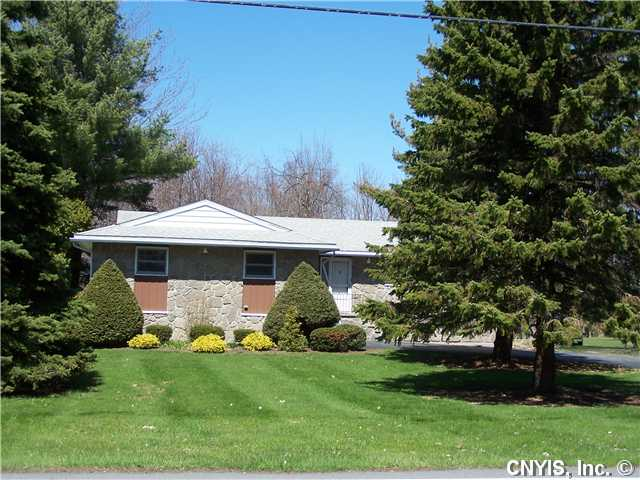 339 Dodge Ave, Sackets Harbor, NY