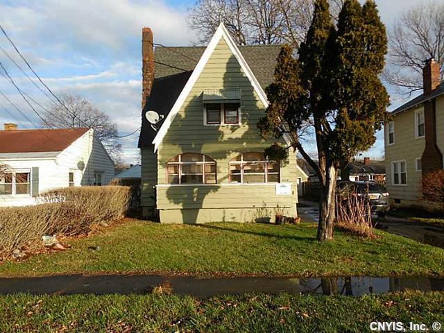 2219 Valley Dr, Syracuse NY 13207