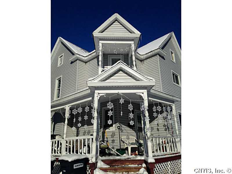27 Gleason St, Gouverneur, NY 13642