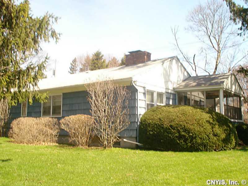 1044 Velasko Rd, Syracuse, NY