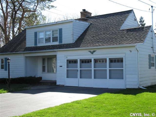 105 Kenwick Dr, Syracuse NY 13208