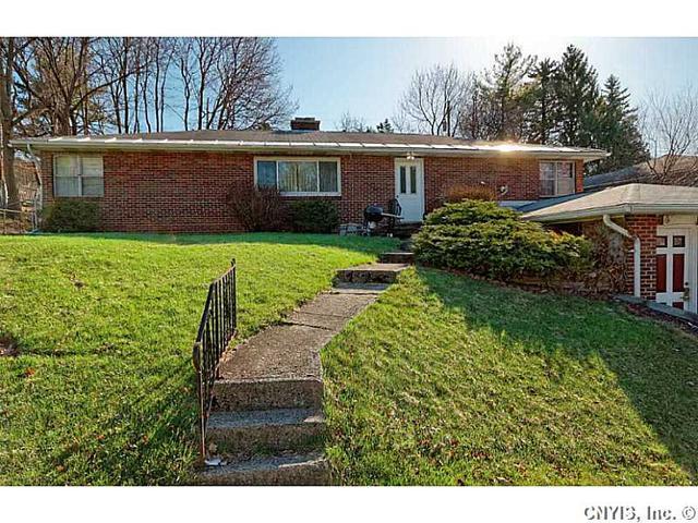 319 Barrington Rd, Syracuse, NY
