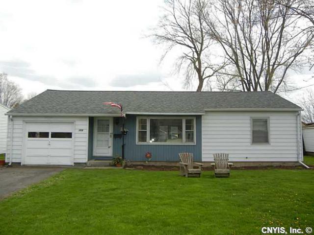 209 Hoover Dr, Syracuse NY 13205