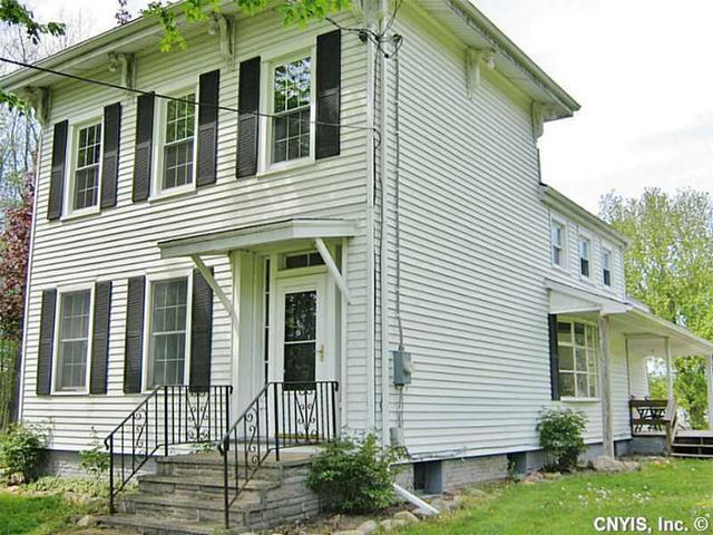 3861 Bonstead Rd, Clay, NY 13041