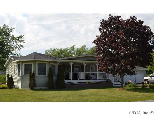 1252 Lachenauer Dr, Watertown, NY