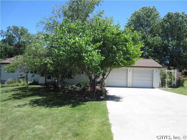 10630 Montana Rd, Weedsport, NY 13166