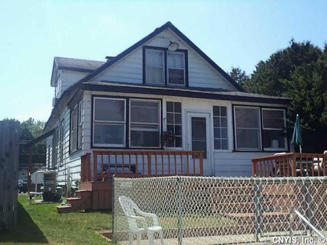 7209 Lakeshore Rd, Cicero, NY 13039