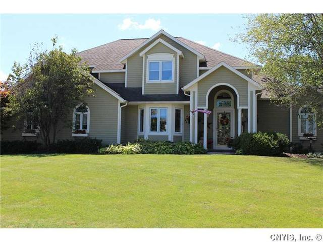 7689 Foxtail Pnes, Liverpool, NY 13090