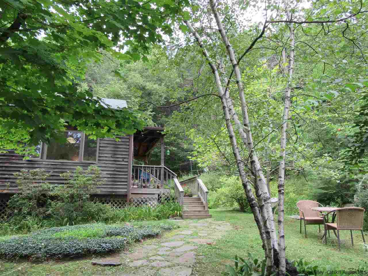 81 The Middle Way, Woodstock, NY 12498