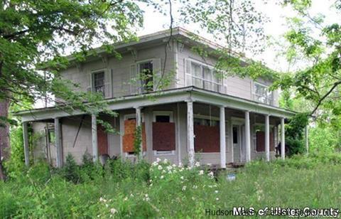 30 Beaverkill Rd, Saugerties, NY 12477