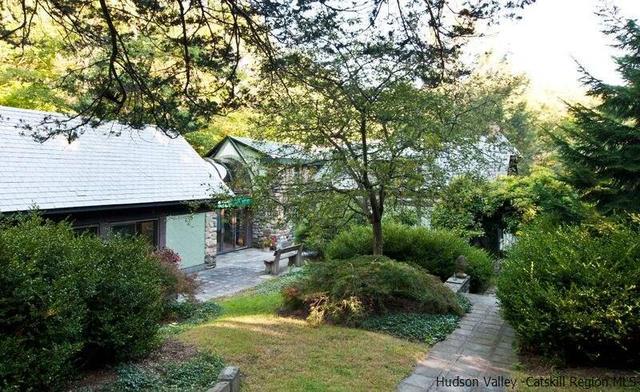 148 Lewis Holw, Woodstock, NY 12498