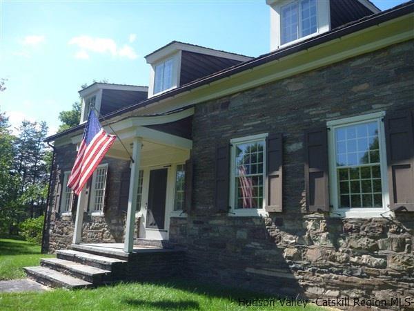 48 Oak Rd, Saugerties, NY 12477