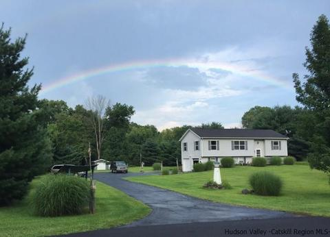 331 Field Ct, Kingston, NY 12401