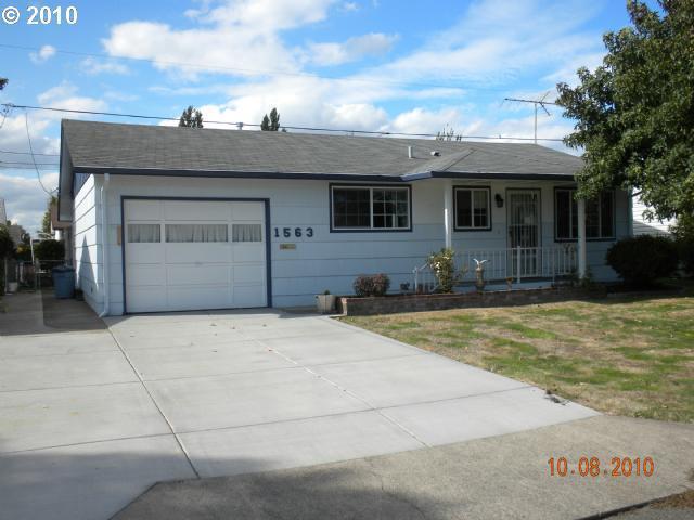 1563 Quinn Rd, Woodburn, OR 97071