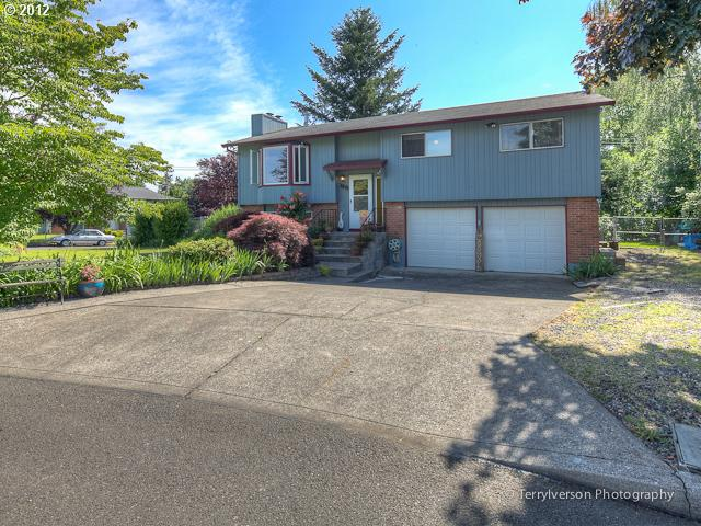 1270 SW Autumn Ct, Troutdale, OR 97060