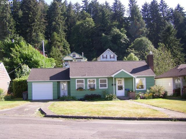 3525 Harrison Dr, Astoria, OR